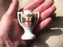 COLLECTABLE VINTAGE CRESTED WARE MINI 2 HANDLE URN VASE LONDON